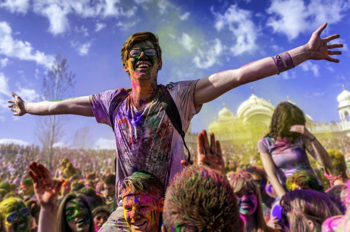 10 Best Places to Celebrate Holi in India — TravelIndia